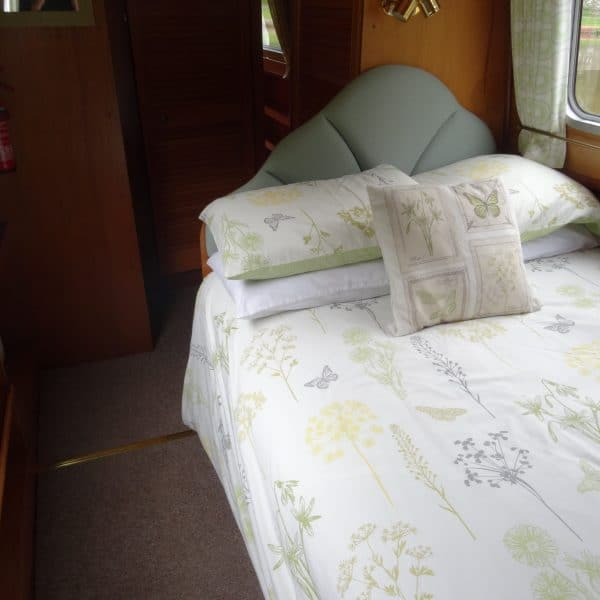 In the rear cabin there is a fixed double bed